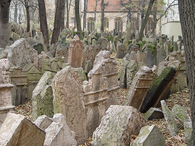 old-jewish-cemetery-10[2]